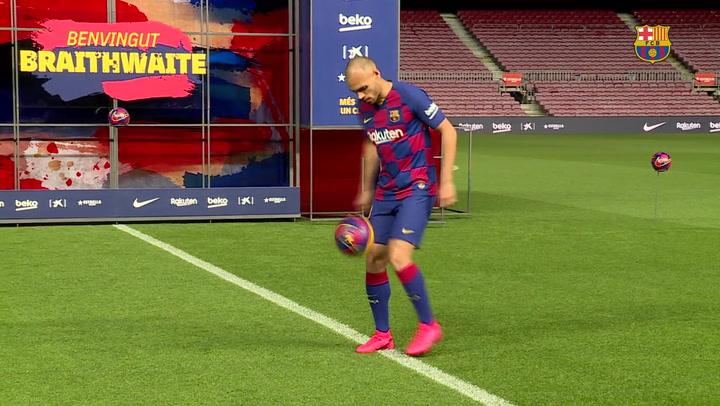 Braithwaite pisa el césped del Camp Nou tras fichar por el Barça