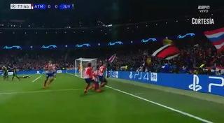 José María Giménez anota el 1 - 0 de del Atlético de Madrid ante la Juventus