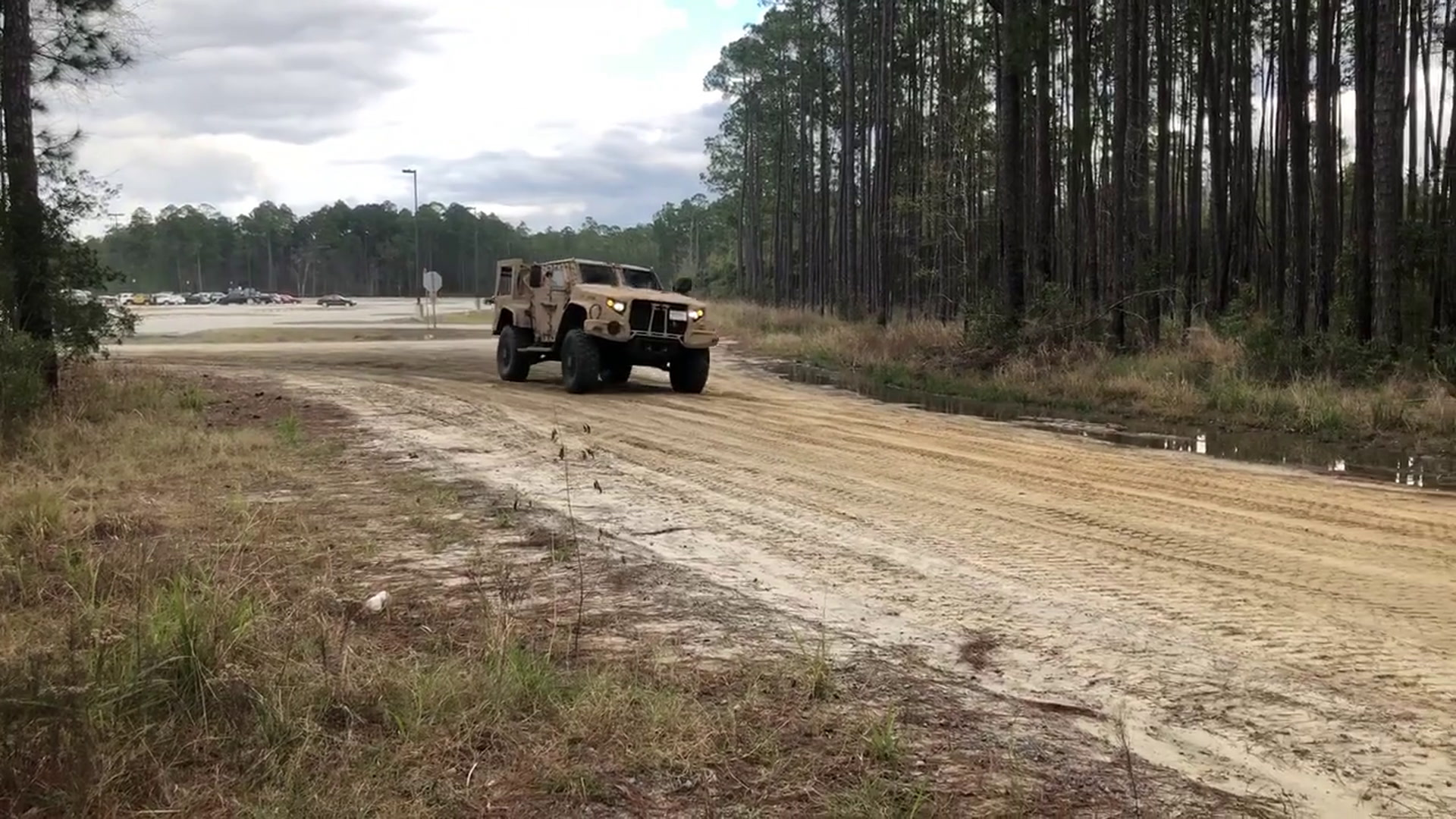 Jltv Won T Replace Humvee After All Army Secretary Says