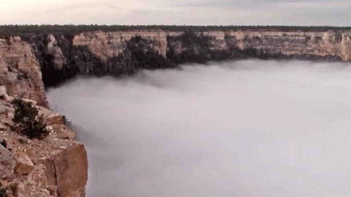 La deg hypnotisere av skyene i Grand Canyon