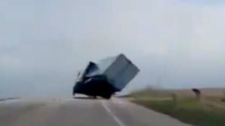 Et lite mirakel at lastebilen ikke velter