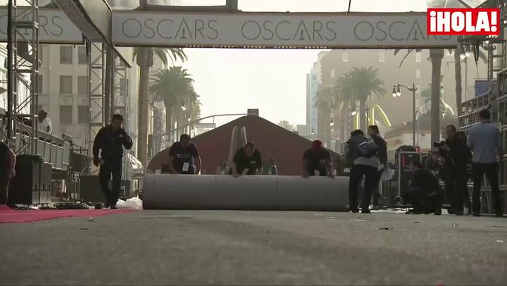 La alfombra roja de los Oscar ya se extiende frente al Teatro Dolby de Hollywood