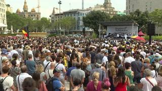 Barcelona recuerda a víctimas del doble atentado un año después