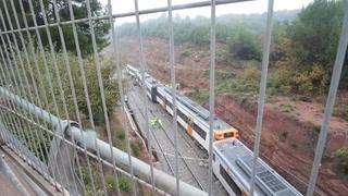 Un muerto y 49 heridos al descarrillar tren en España
