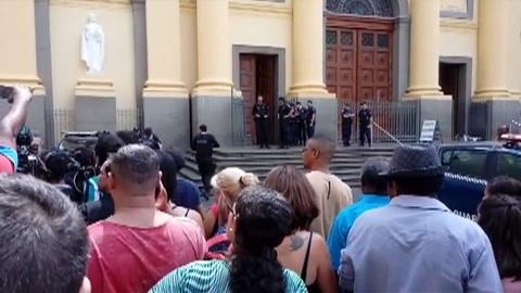 Hombre mata a cinco personas y se suicida en catedral de Brasil