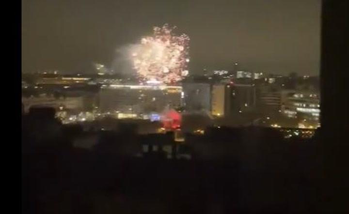 Los ultras del PSG lanzan fuegos artificiales cerca del hotel del Barça en París