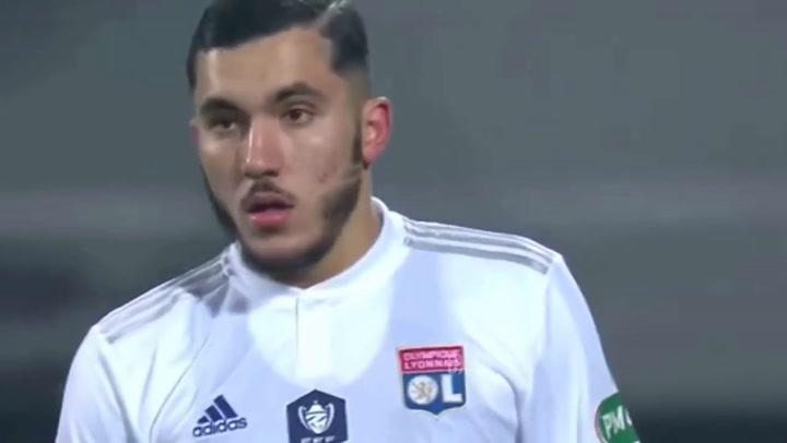 Así juega Rayan Cherki, el francés de tan solo 16 años al que sitúan en la órbita del Real Madrid