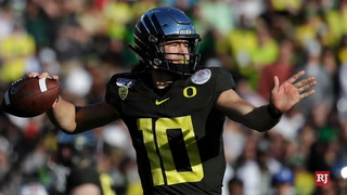 Justin Herbert: Forcing Himself to be Uncomfortable to Become an NFL Quarterback