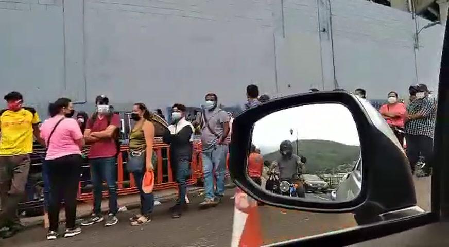 Interminables filas en centros del Vacunatón en la capital hondureña