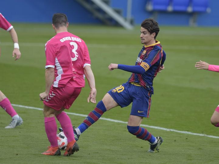 Golazo maradoniano de Collado para el Barça B