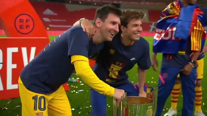 ¡Todos quieren la foto con Messi!