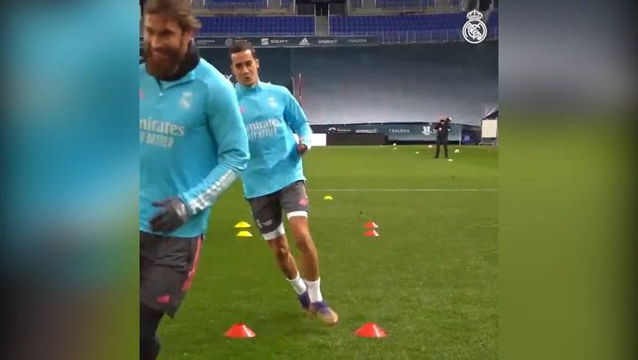 Último entrenamiento del Real Madrid en la Rosaleda previo al partido de la semifinal de Supercopa