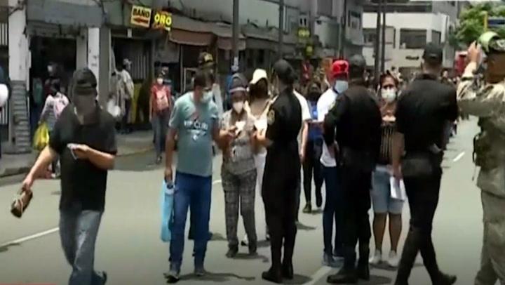 Policía aplicó más de 4 mil multas a personas que no usaban mascarillas en el Centro de Lima