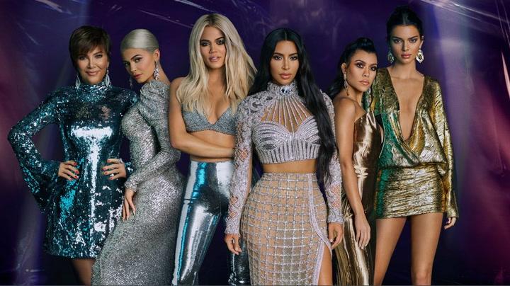 Sale a la luz lo que cobran las Kardashian por una publicación en Instagram
