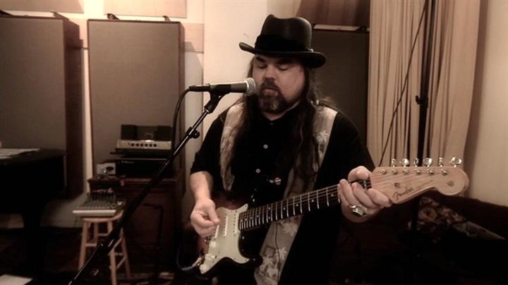 "Fuse.tv Exclusive - Brad ""Waters Deep"" Video Premiere"