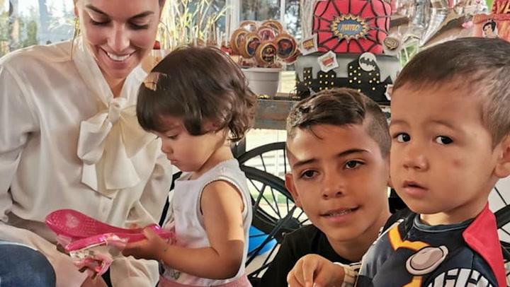 El divertido plan de Georgina y los niños para un día sin Cristiano
