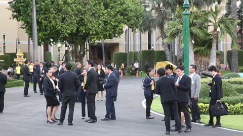 Tailandia inaugura un Gobierno electo continuista tras 5 años de régimen militar