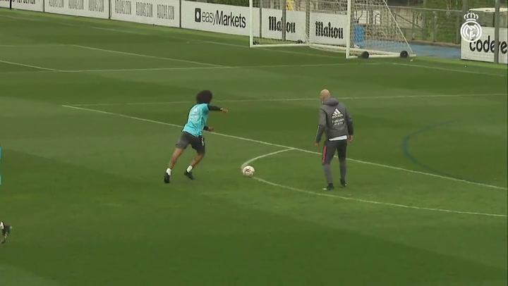Kroos y Hazard le dan una alegría a Zidane