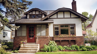 Here's Why You Might Want to Buy an Older Home Instead of a New One