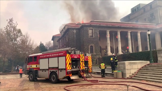 South Africa: Table Mountain wildfire tears through Cape Town university  library   The Independent