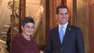 Guaidó visita España, donde su presencia desata tormenta política