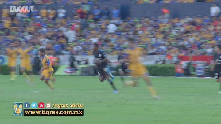 Rafael Sóbis em ação pelo Tigres do México