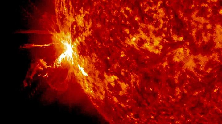 Voldsomme utbrudd på sola