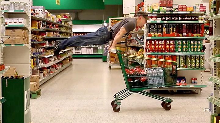 Turneren «flyr» når han er i butikken