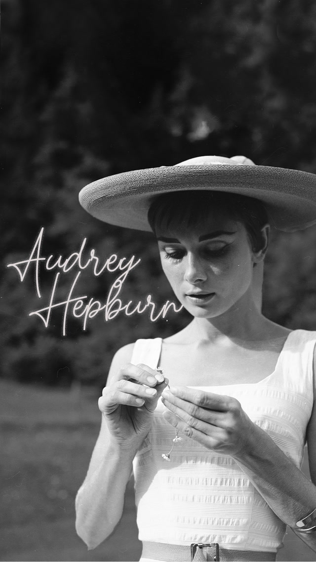 Savaştan kaçıp stil ikonu olan Audrey Hepburn
