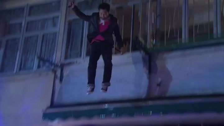 Crazy Stunt Move: Jump off the building and...