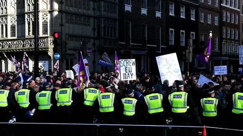Marchas en Londres de un grupo antieuropeo y otra de laboristas