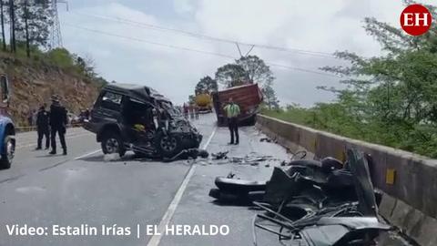 Honduras: Tres personas muertas tras aparatoso choque contra una rastra en la CA-5