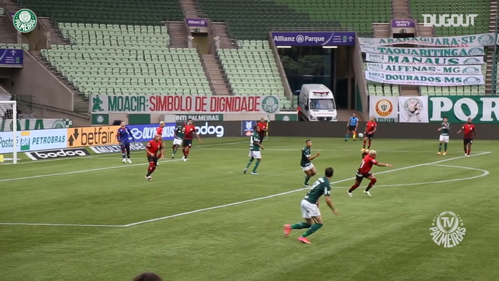 Matías Vinã curls home stunner vs Atlético-GO