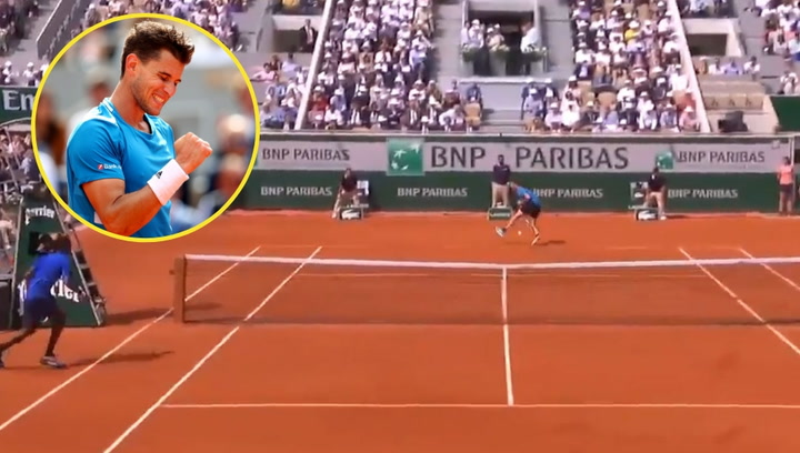 Thiem logra el 'puntazo' del torneo en Roland Garros