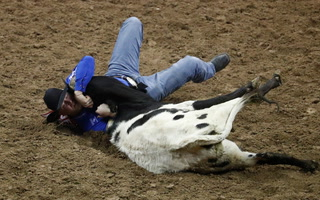 NFR 2018- Will Lummus Leads in Steer Wrestling