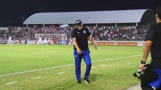 Pedro Troglio recibe golpe en su cabeza en Puerto Cortés