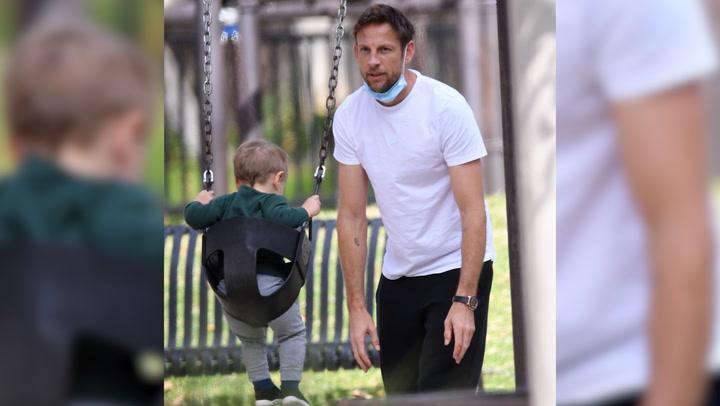 Entre juegos y columpios, la divertida tarde en el  parque de Jenson Button y su familia