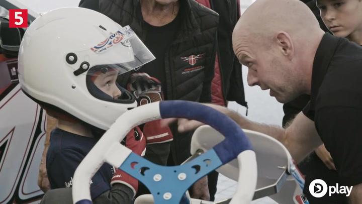 Næste generation overtager rattet - Mini-Magnussen tester banen for Jan