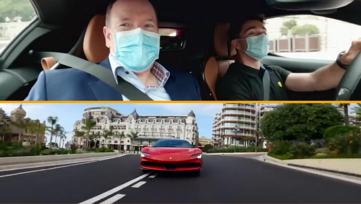 Leclerc, a falta de GP de Mónaco, 'pasea' al príncipe a 240 km/h a bordo de un espectacular Ferrari híbrido enchufable