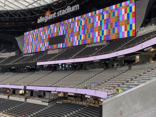 Crews test Allegiant Stadium video boards – Video