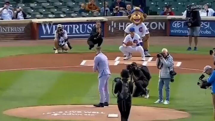 UFC's Conor McGregor throws disastrous first pitch at Chicago Cubs game