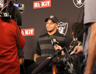 Raiders place Abram on IR, begin preparation for Chiefs.- VIDEO