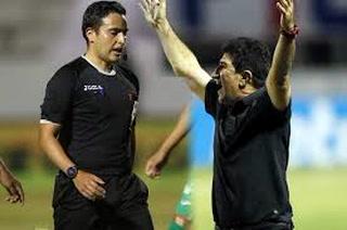 Héctor Vargas critica arbitraje de Saíd Martínez: