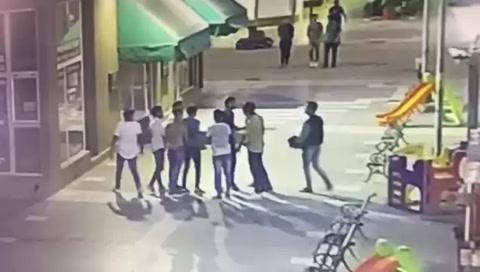 Un joven de 17 años fue hospitalizado tras ser atacado por rugbiers