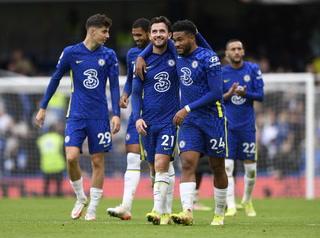 Escandalosa paliza del líder Chelsea en la liga inglesa, Mount marcó hattrick en el 7-0