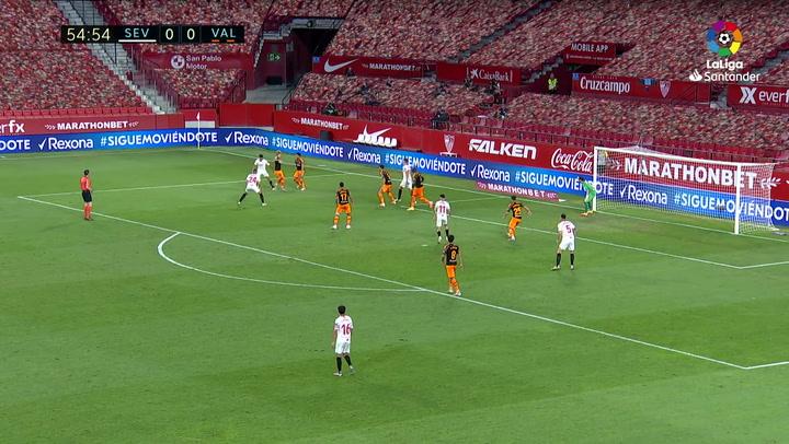 Gol de Reguilón (1-0) en el Sevilla 1-0 Valencia