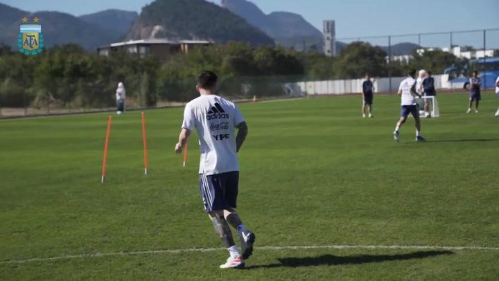 Último entrenamiento de la selección argentina antes de enfrentarse a Brasil