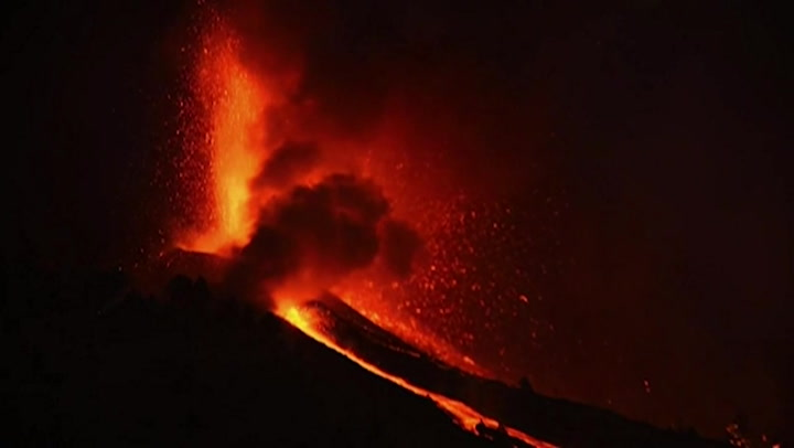 La Palma volcano eruption forces 5,000 to be evacuated as lava pours and ashes rise