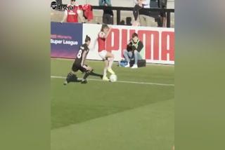 ¡ESPECTACULAR! La jugada con doble caño de futbolista del Arsenal