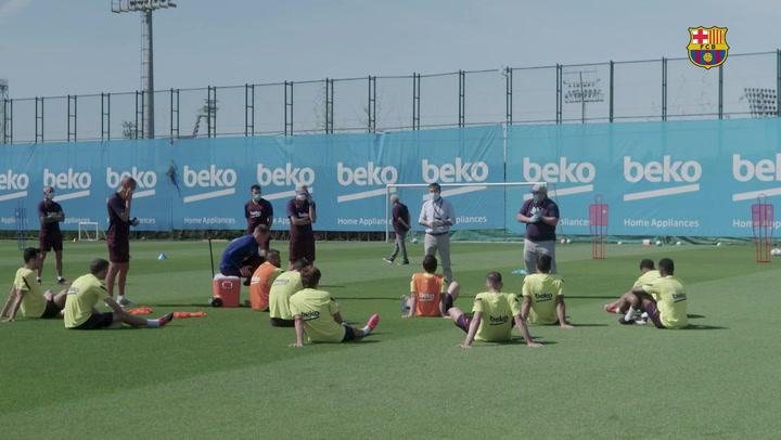 Josep Maria Bartomeu, en el entrenamiento del Barça